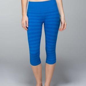 Lululemon In The Flow Crop *Stripe Heathered Baroque Blue Size 6